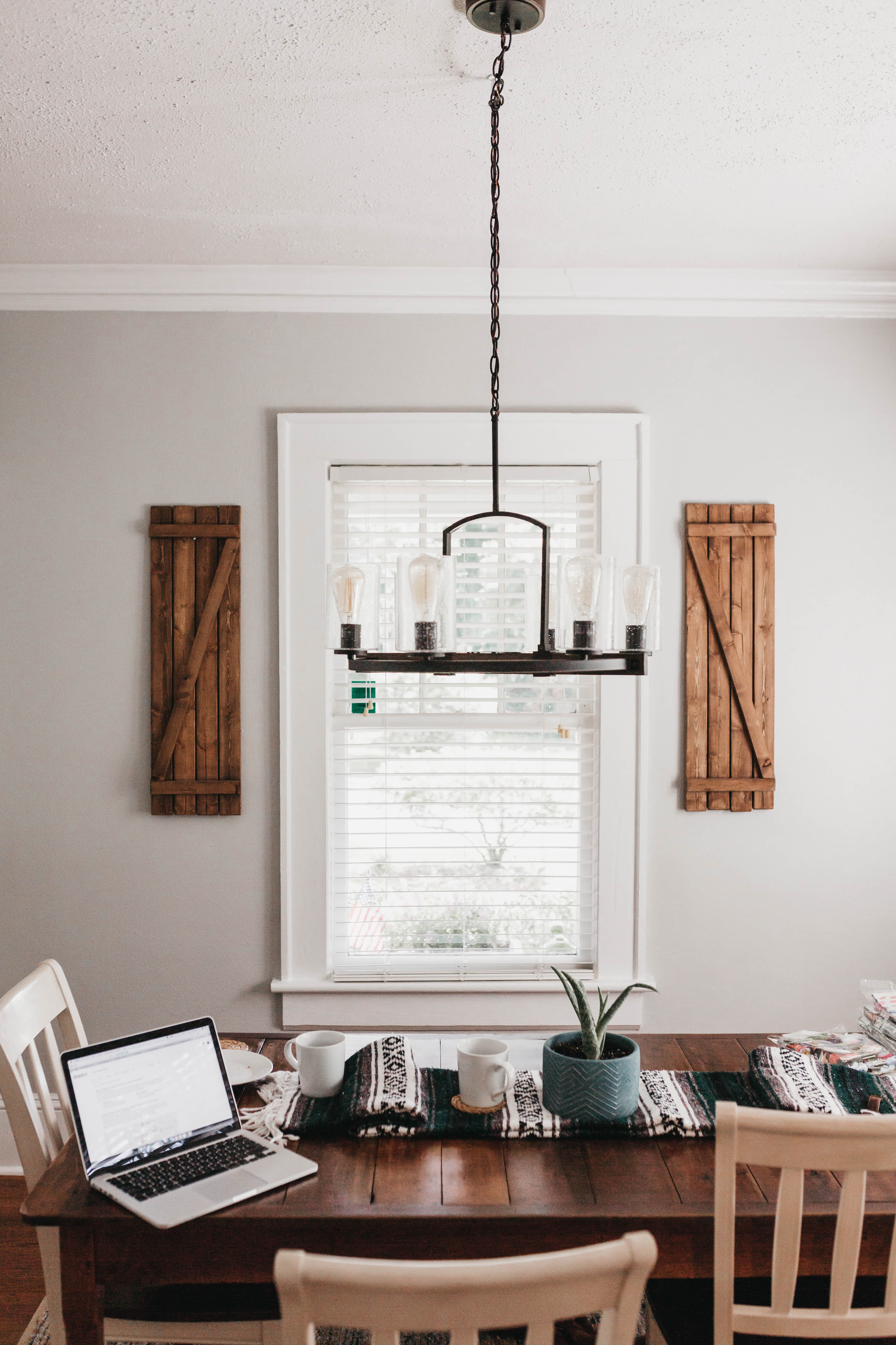 white window trim and blinds